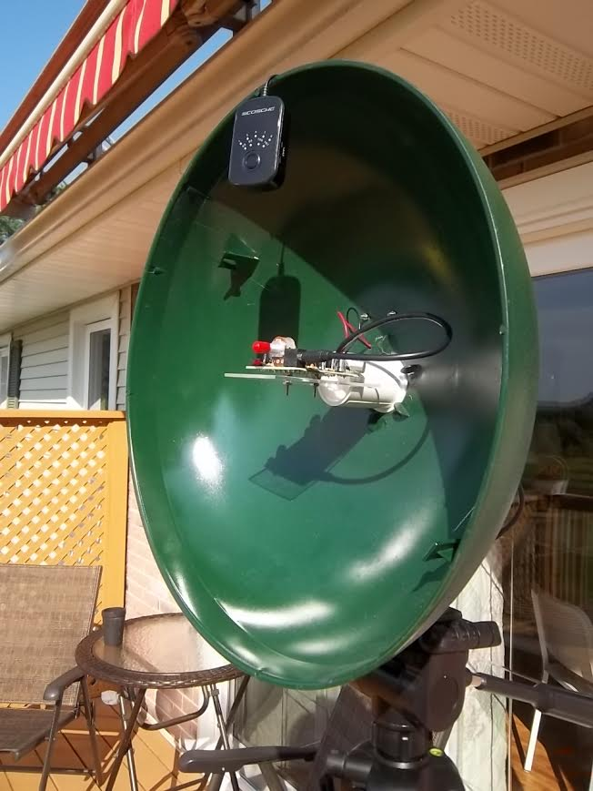 Wirelessly transmitting sound from a parabolic microphone