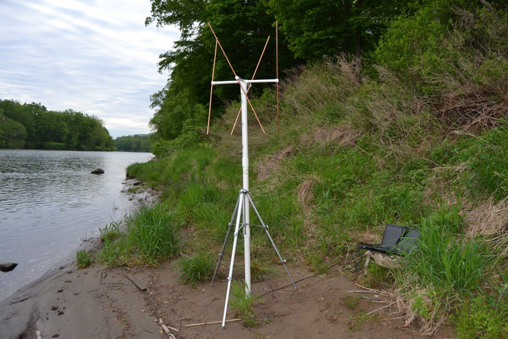 The finished double cross antenna connected to a PC running an RTL-SDR and WXtoIMG.