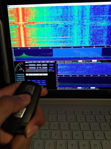 RTL-SDR receiving a BMW keyfob signal at 315 MHz in HDSDR.