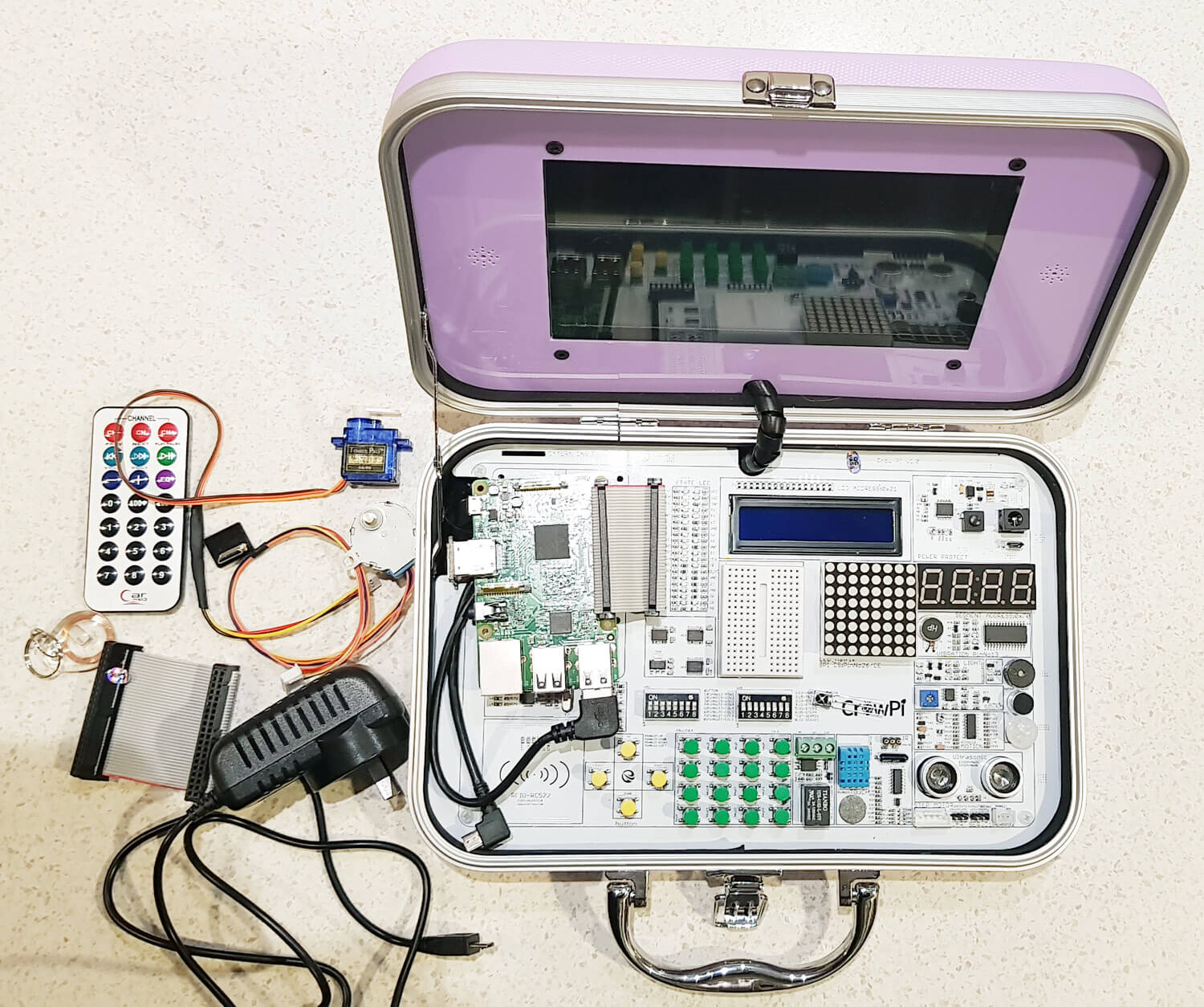 CrowPi: Raspberry Pi Experimenters Kit Review (With RTL-SDR