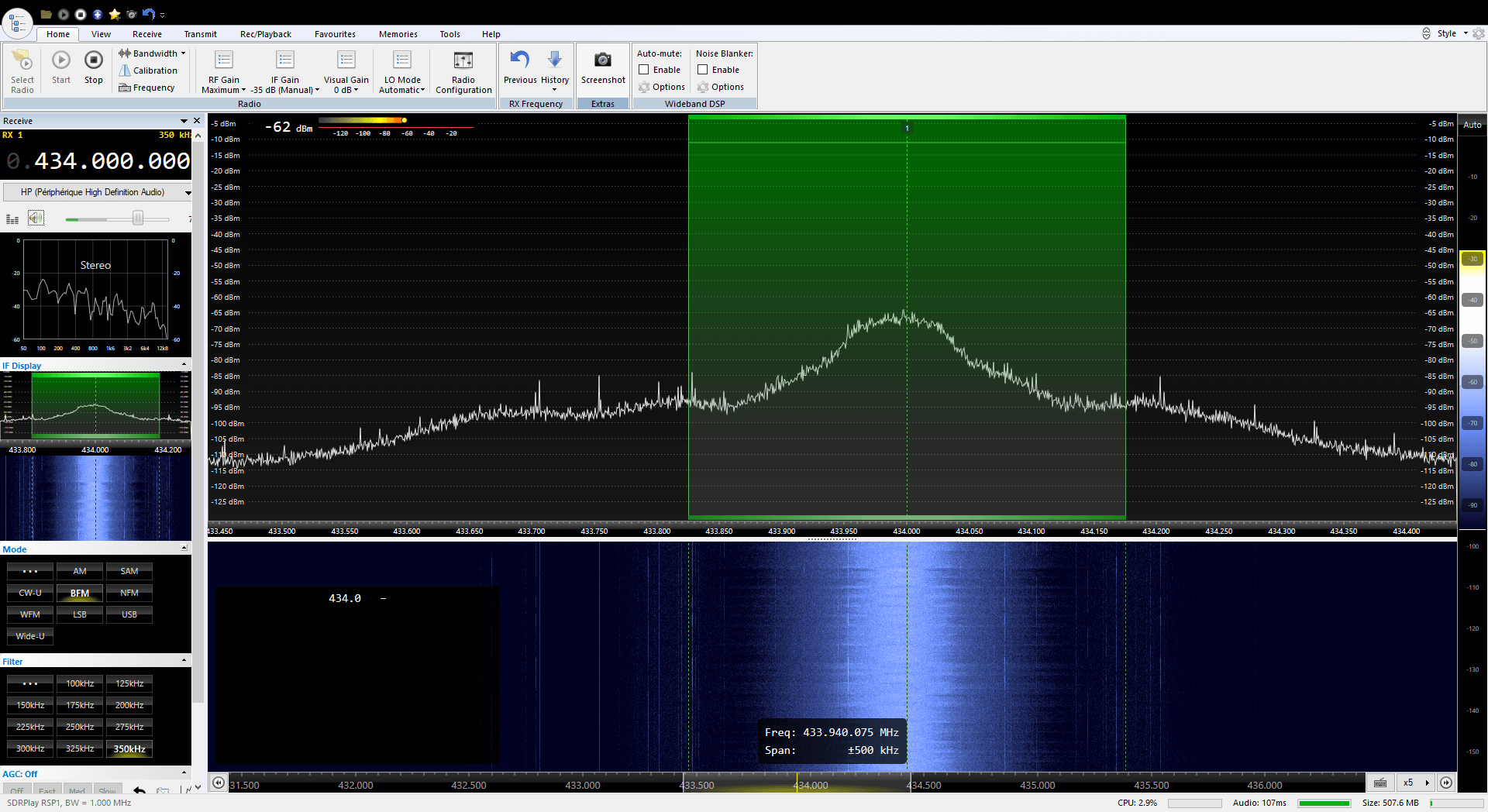 RPiTX v2 re-transmitting a broadcast FM signal live at 434 MHz.