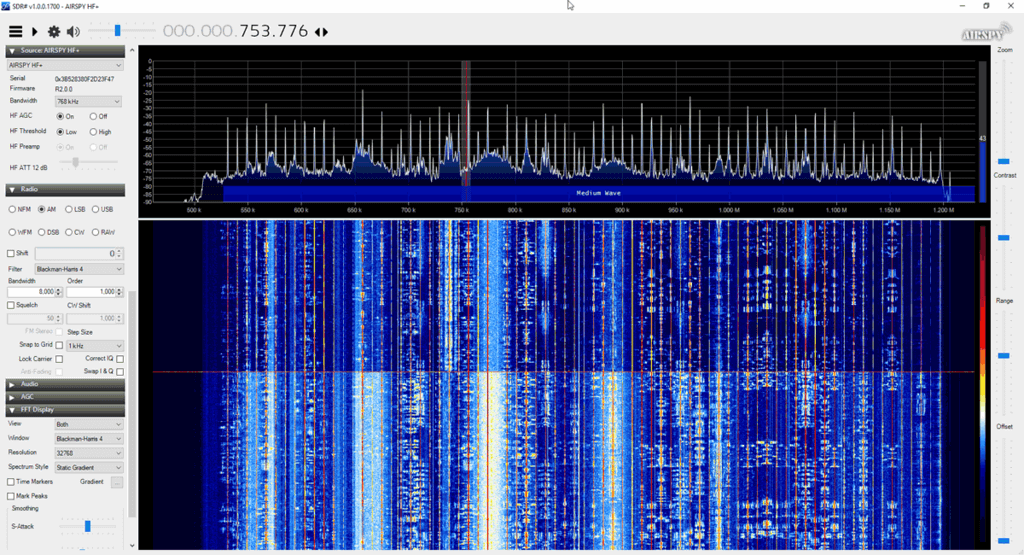 TOP: Airspy HF+ Discovery, BOTTOM: Original Airspy HF+